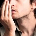 自分でチェックして対策を!口臭の7つの原因と6つの改善方法