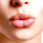 荒れて汚いのは嫌!唇が乾燥する原因と改善方法について