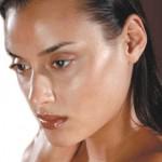 テカテカ肌は嫌だ!〜脂性肌の原因と改善方法について〜