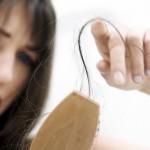 抜け毛の対策方法を6つ紹介!食べ物やシャンプーの方法など