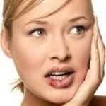 口唇ヘルペスの3つの原因とは?疲労やストレスとの関係について