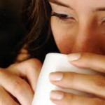 ホットミルクの効果とは?飲むタイミングやレシピも紹介!