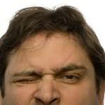 目がチカチカする原因を紹介!頭痛がある場合は病気?