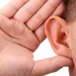耳の違和感の原因は?セルフケアの方法と対処法について