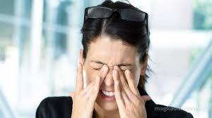 眼球が痛い