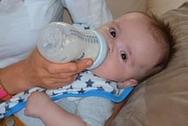 3赤ちゃん吐き戻し