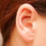 耳がこもる原因は?病気の可能性やストレスについて