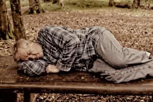 公園で睡眠