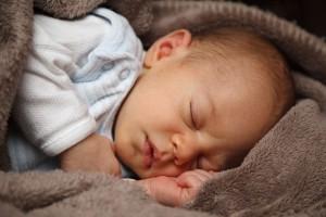 眠る赤ちゃん2