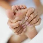 足のしびれの原因を紹介!病気の可能性について