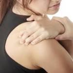 右肩が痛い3つの原因は?考えられる病気や対処方法について