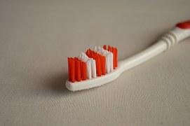 歯ブラシ0