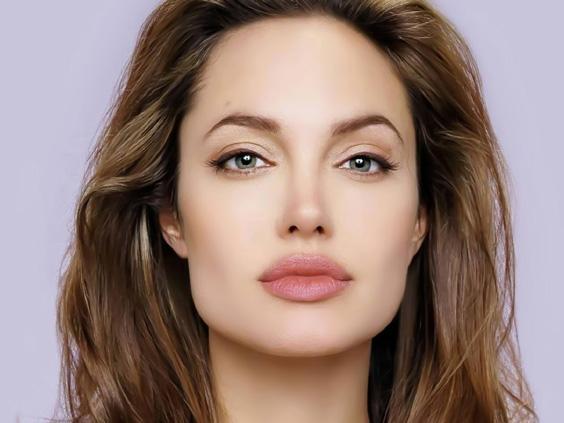 頬骨が高い 女性