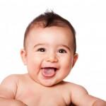 赤ちゃんが舌を出す原因は?病気の可能性もある?