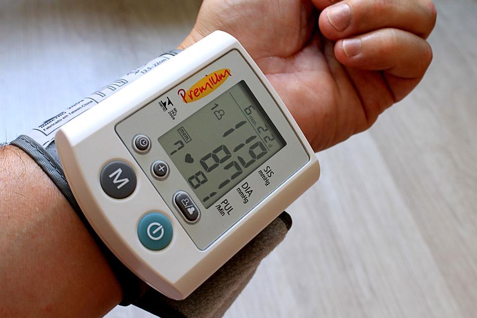 血圧に左右差があると危険