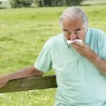 痰が緑色になるのは病気?原因や対処法を紹介!