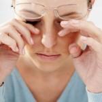 眼精疲労を回復させる方法とは?マッサージやツボを紹介!