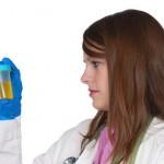 尿検査で蛋白にプラスマイナス反応が出る原因は?合わせて起こると危険な症状と対処法も紹介!