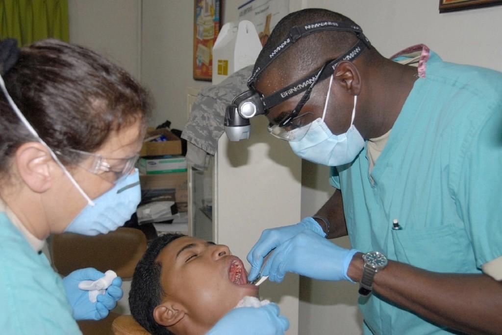 dentist-676421_1280