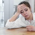 下を向くと頭が痛いのはなぜ?原因と改善方法を知る!