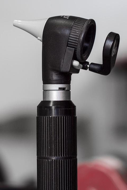 otoscope-1461840_960_720