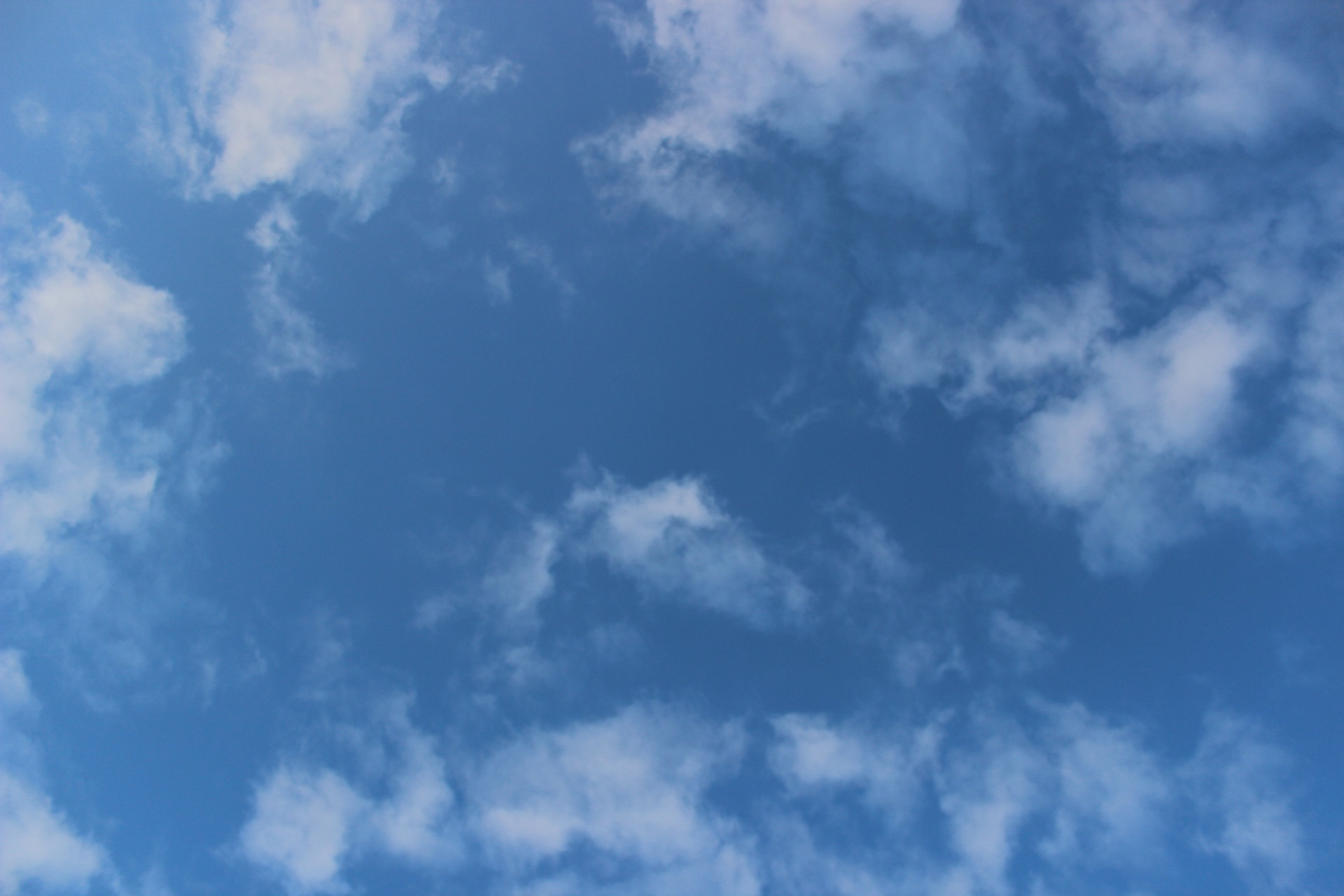 sky-906033_1920
