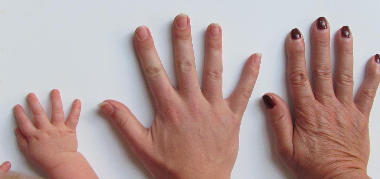 爪が剥がれる:医師が考える原因と受診の ...