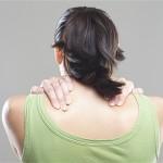 肩甲骨のこりを解消する方法は?ゴリゴリの肩の人は必見!