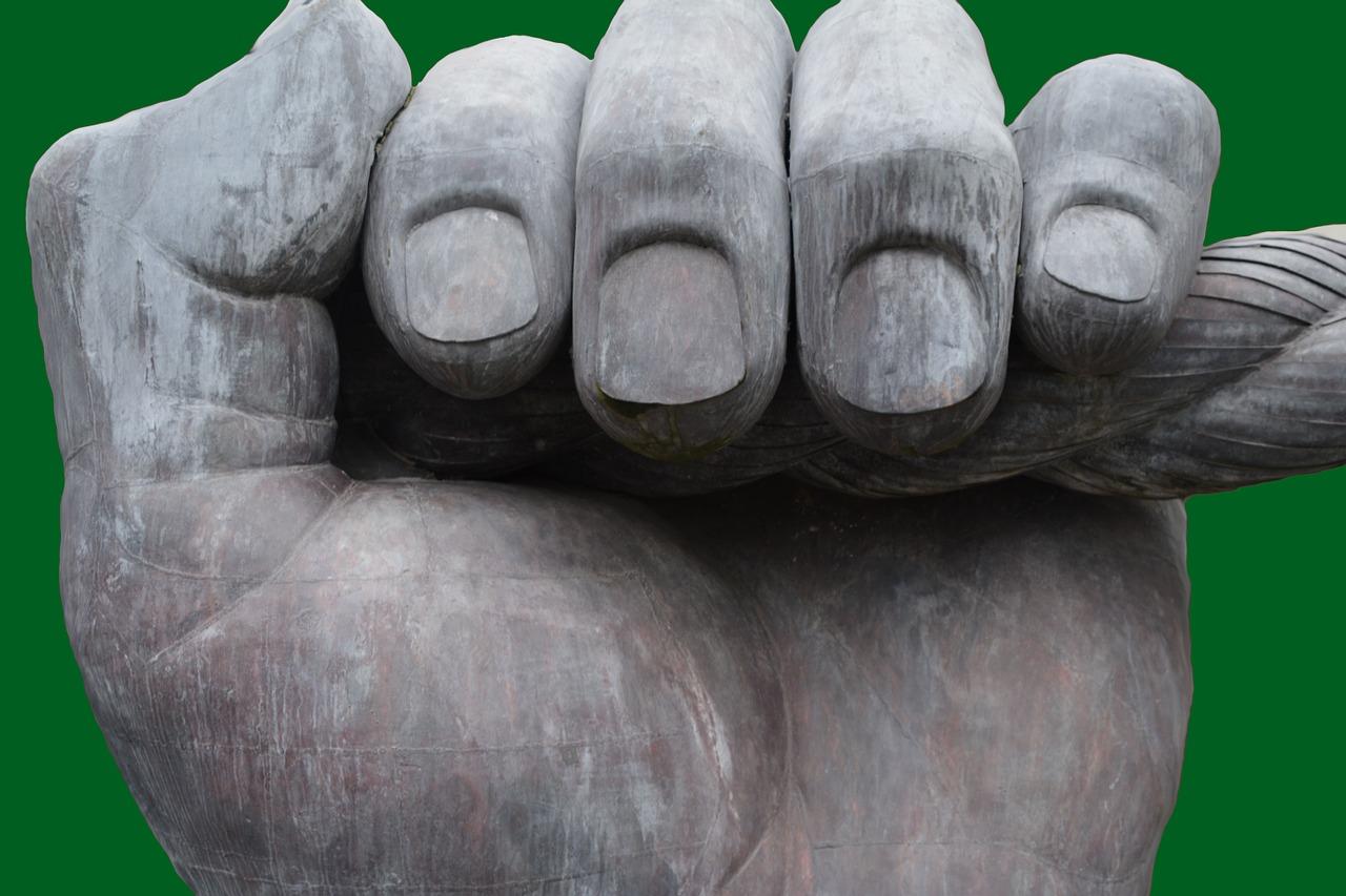 fingers-1263375_1280