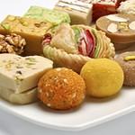 甘いものの食べ過ぎは病気になる?注意点や症状を知っておこう!