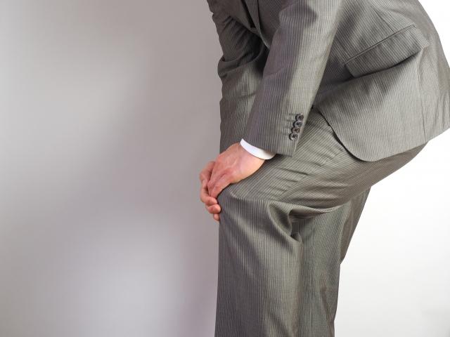 膝痛い01「