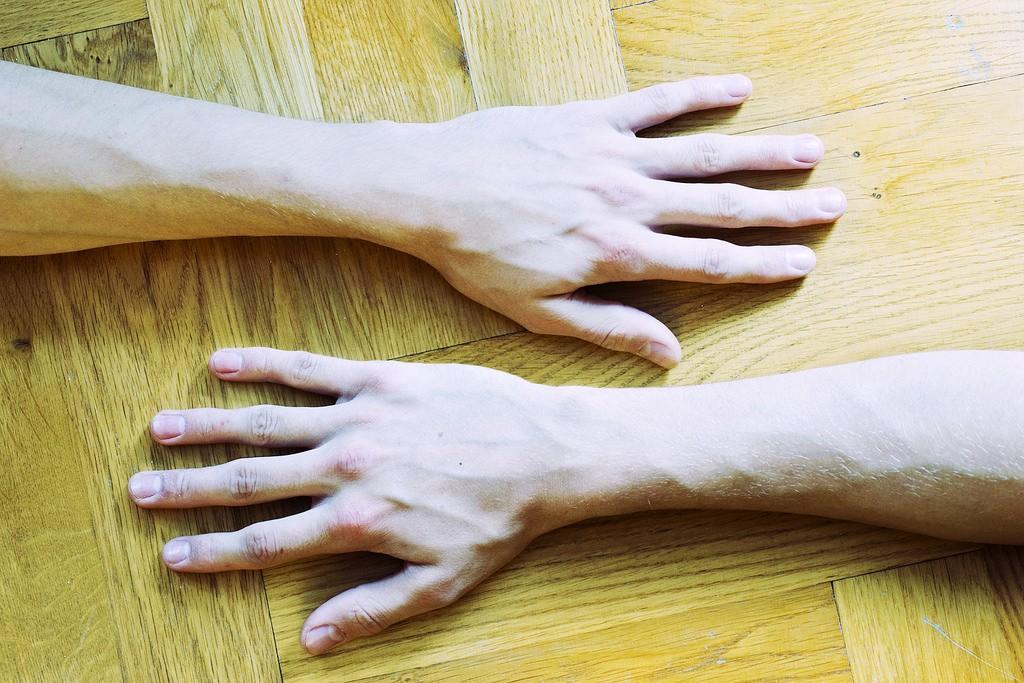 手首が細い