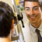 角膜潰瘍とは?症状や原因、治療法と予防法を知っておこう!
