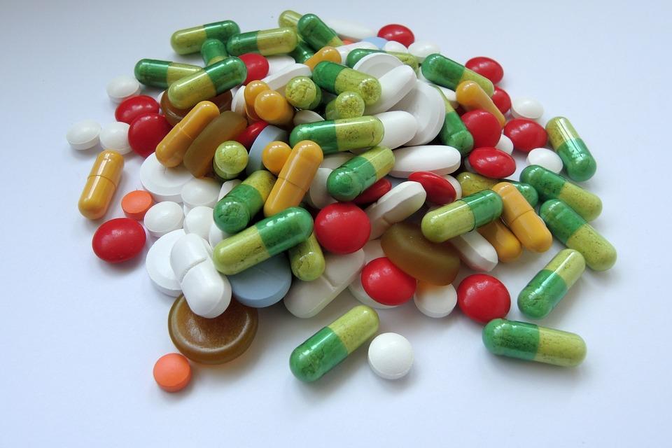 medications-1442283_960_720薬