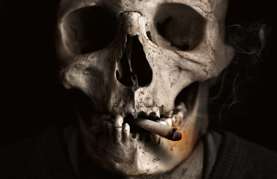 skull-and-crossbones-1418827_960_720有害なタバコ