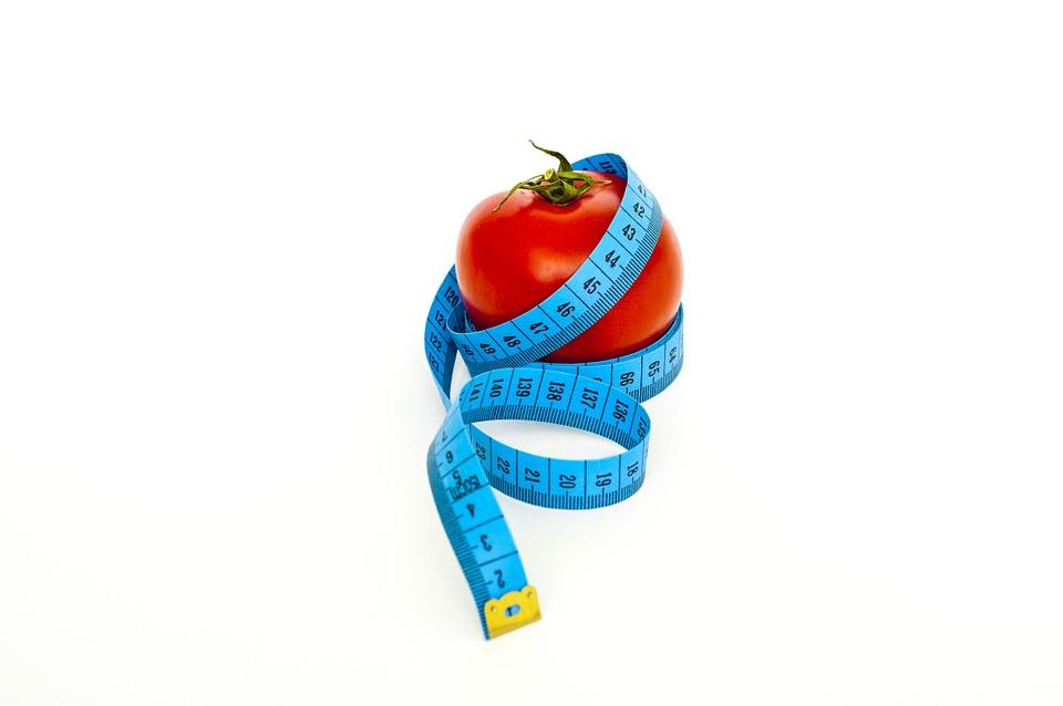 テープとトマト