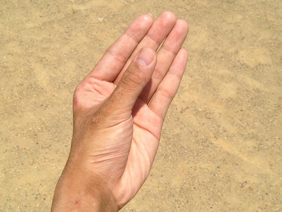 hand-1582526_960_720