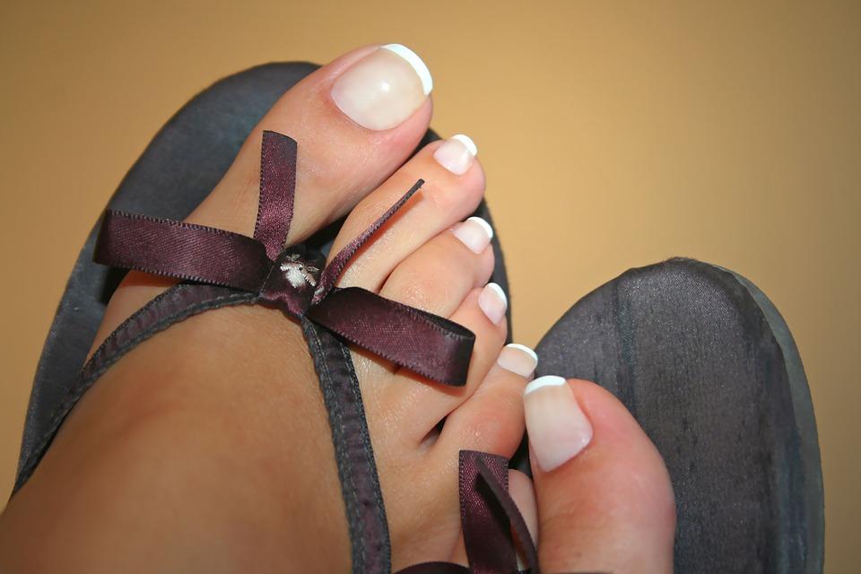 toe-nails-1564964_960_720