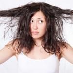 髪のベタつきがある人必見!原因や対策方法を知って改善しよう!シャンプーの方法や食事に注意!