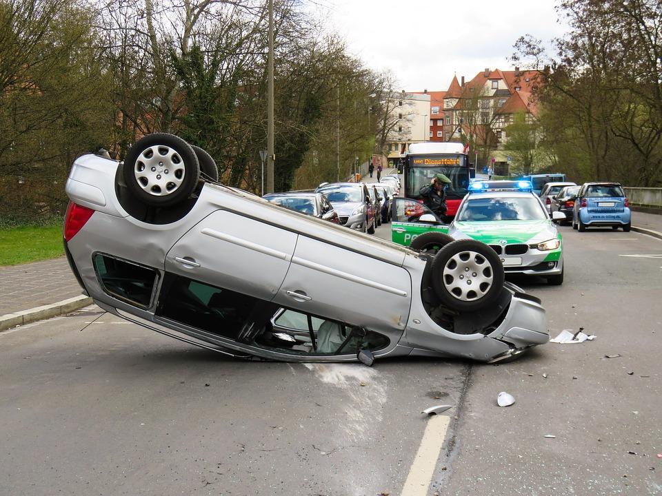 accident-1409010_960_720%e8%87%aa%e5%8b%95%e8%bb%8a%e4%ba%8b%e6%95%85