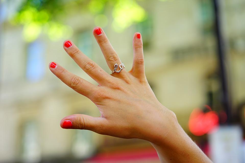hand-1595547_960_720