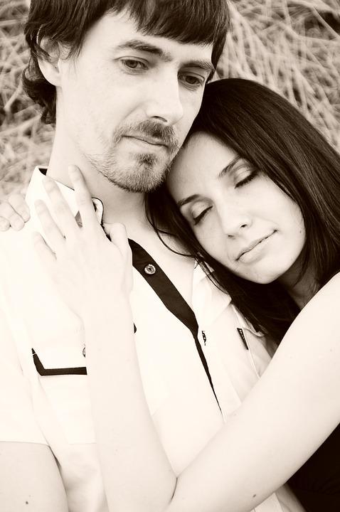 couple-1343949_960_720