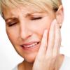 三叉神経痛とは?症状・原因・治療法を紹介!手術の方法や似ている病気はなに?