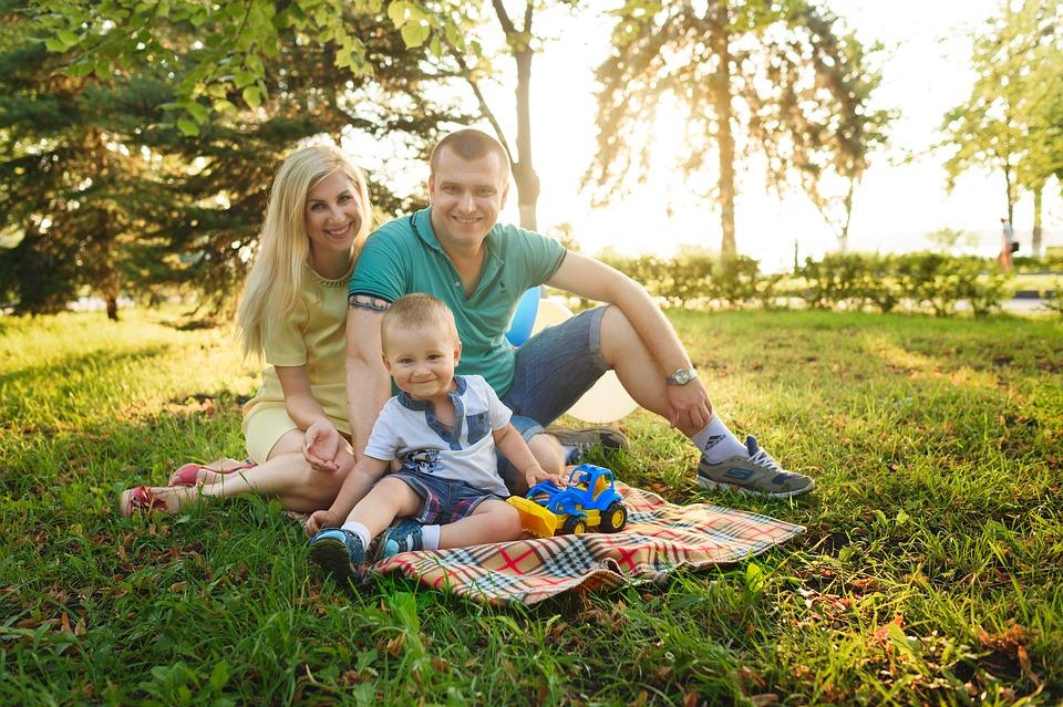 family-1802228_960_720%e5%b9%b8%e3%81%9b%e3%81%aa%e5%ae%b6%e6%97%8f