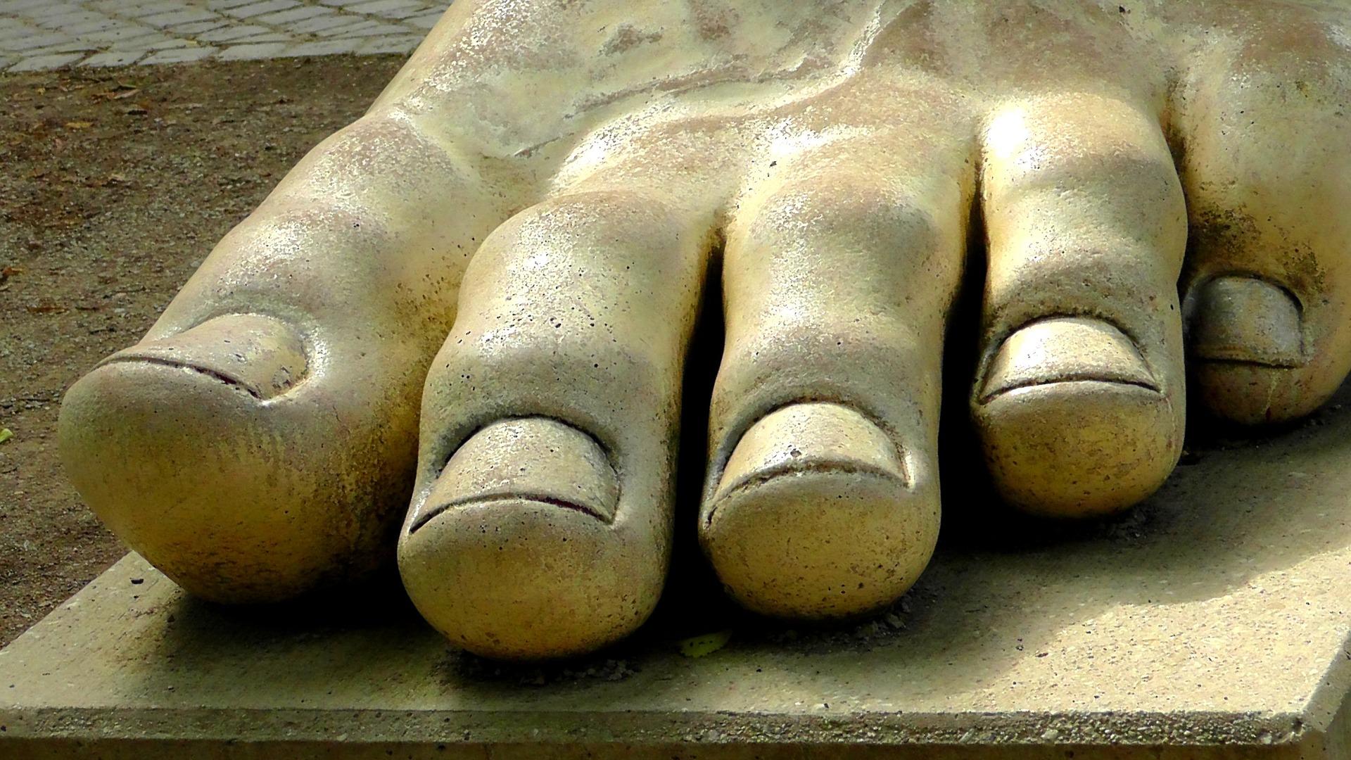 足の爪大理石