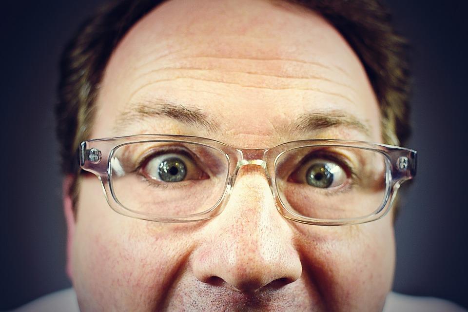 peeping-tom-316125_960_720