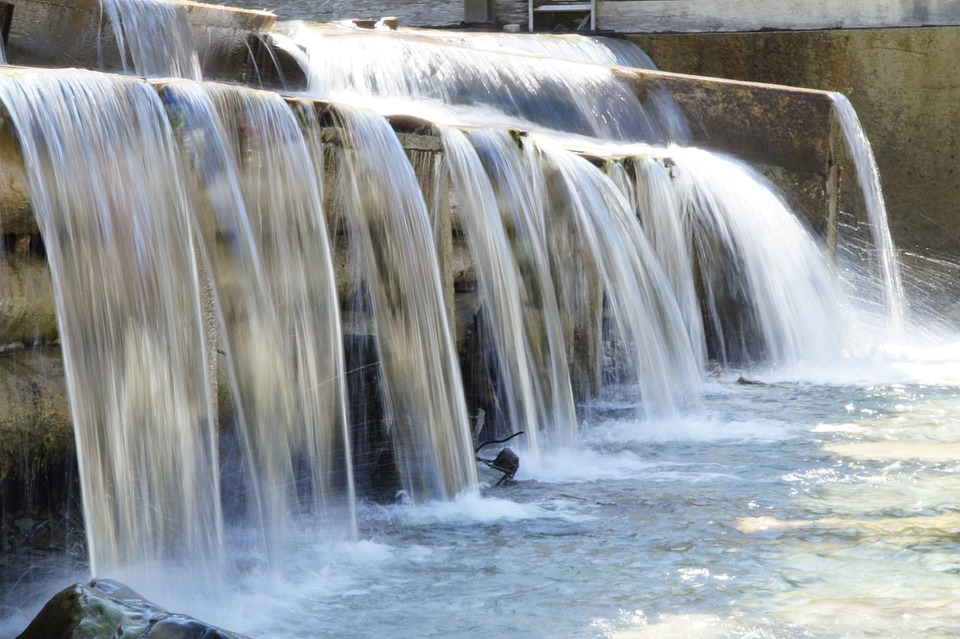 water-921325_960_720%e3%81%9b%e3%81%8d%e6%ad%a2%e3%82%81%e3%82%8b