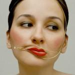 顔の歪みを治す方法を知ろう!顔の歪みの原因や悪影響はなに?