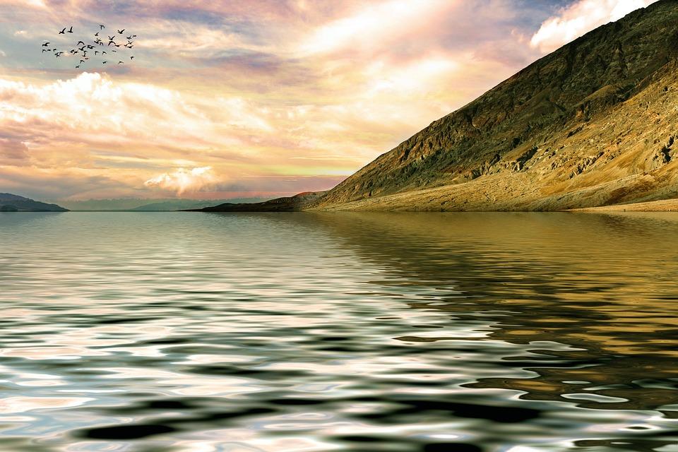 mountain-1504197_960_720湖