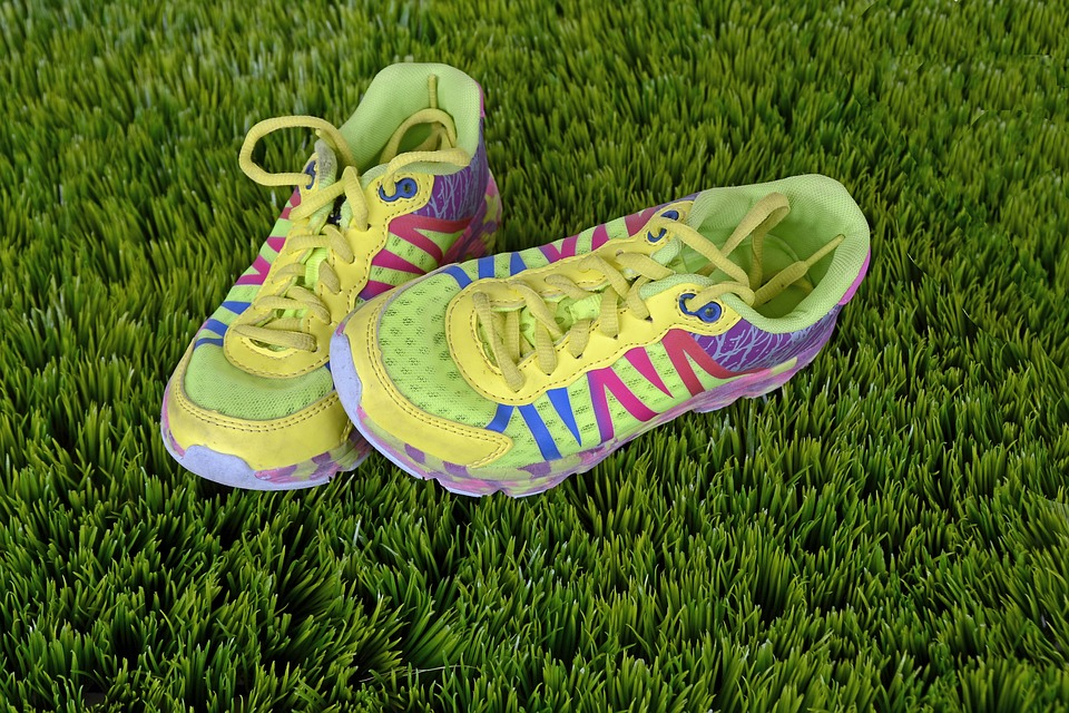 running-shoes-1428048_960_720